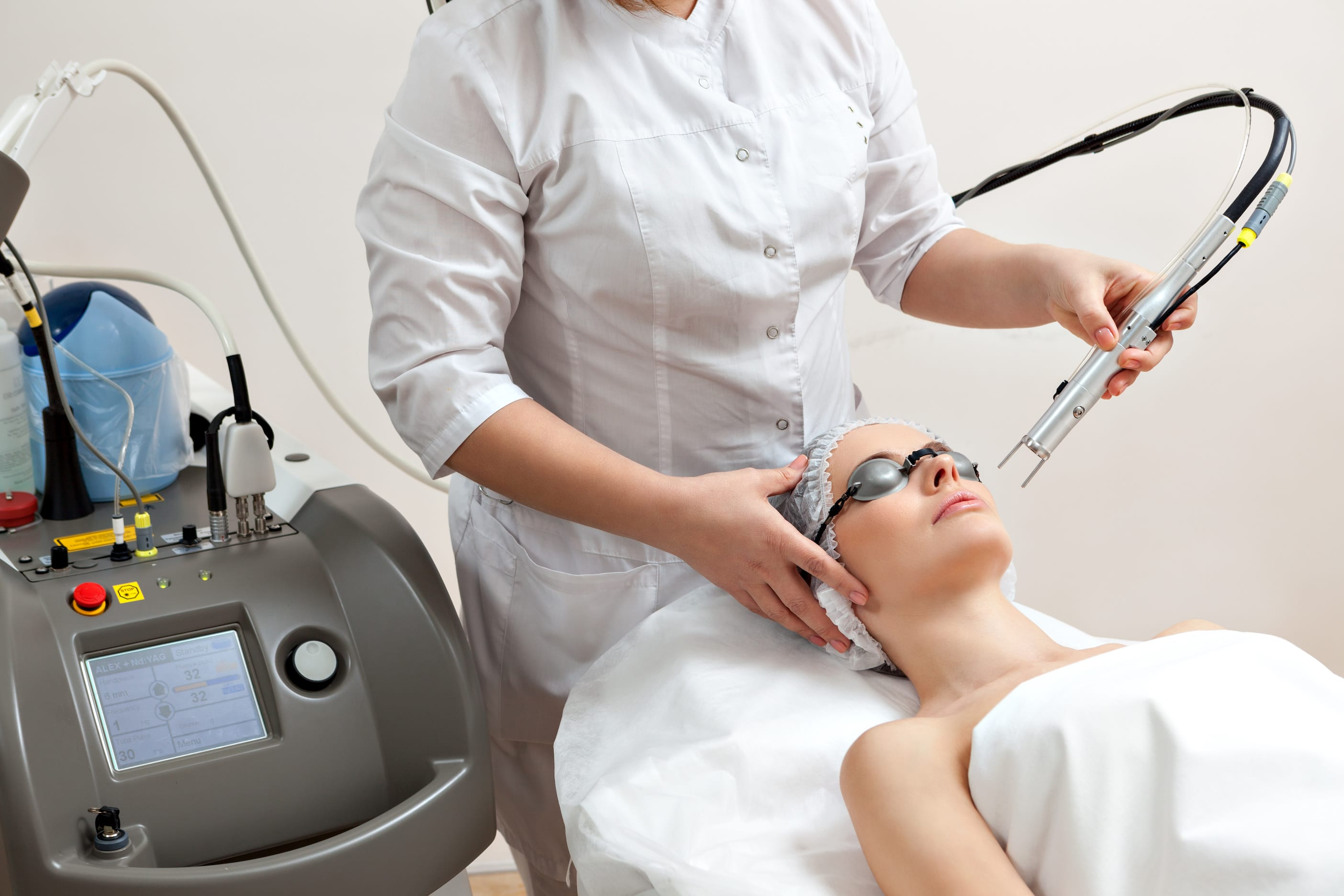 The Guide to Cosmetic Lasers and Laser Hair Skin Treatments